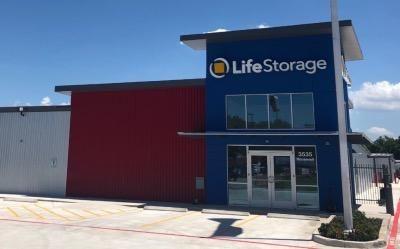 Life Storage - San Antonio - 3535 Roosevelt Avenue 3535 Roosevelt Avenue San Antonio, TX - Photo 6