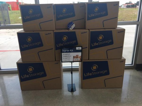 Life Storage - San Antonio - 3535 Roosevelt Avenue 3535 Roosevelt Avenue San Antonio, TX - Photo 5