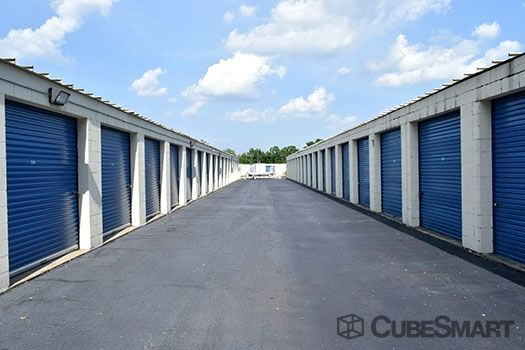 CubeSmart Self Storage - Greenville - 25 Airview Dr 25 Airview Dr Greenville, SC - Photo 4