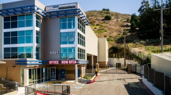 West Coast Self-Storage Daly City 1001 East Market Street Daly City, CA - Photo 8