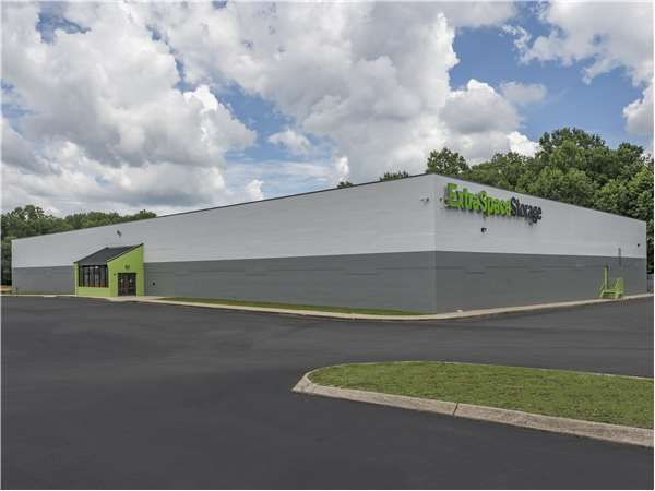 Extra Space Storage - Taylors - 3146 Wade Hampton Blvd 3146 Wade Hampton Boulevard Taylors, SC - Photo 6