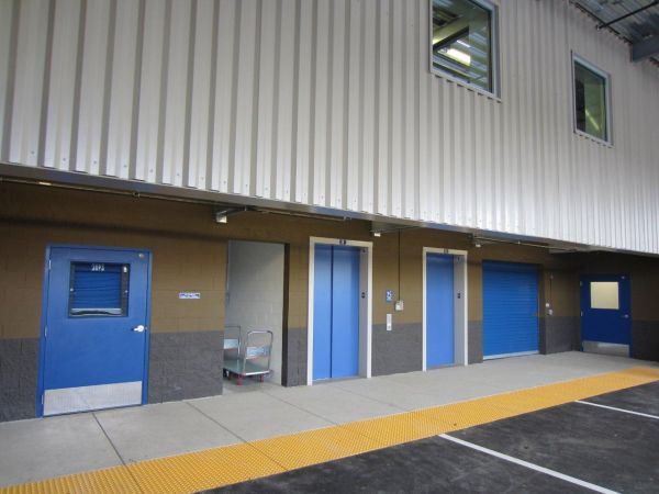West Coast Self-Storage Santa Clara 2490 Lafayette St Santa Clara, CA - Photo 4