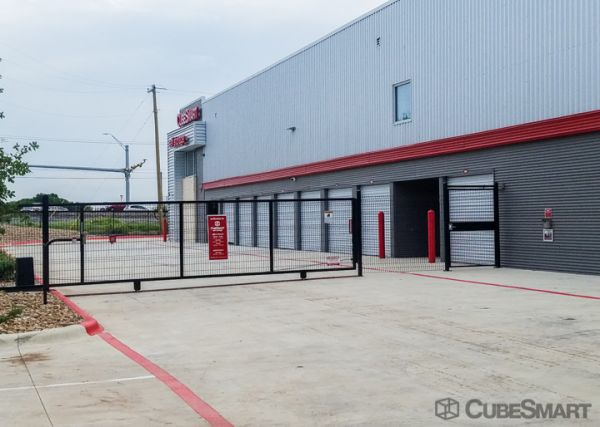 CubeSmart Self Storage - Hutto - 244 Benelli Dr. 244 Benelli Drive Hutto, TX - Photo 7