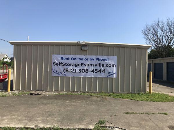 Evansville Self Storage LLC 1901 N 4th Ave Evansville, IN - Photo 1