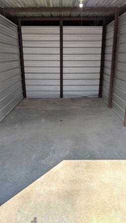 Evansville Self Storage LLC 1901 N 4th Ave Evansville, IN - Photo 2