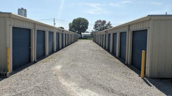 Evansville Self Storage LLC 1901 N 4th Ave Evansville, IN - Photo 5