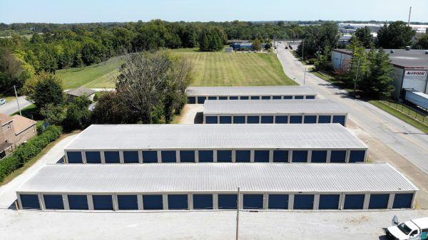 Evansville Self Storage LLC 1901 N 4th Ave Evansville, IN - Photo 6
