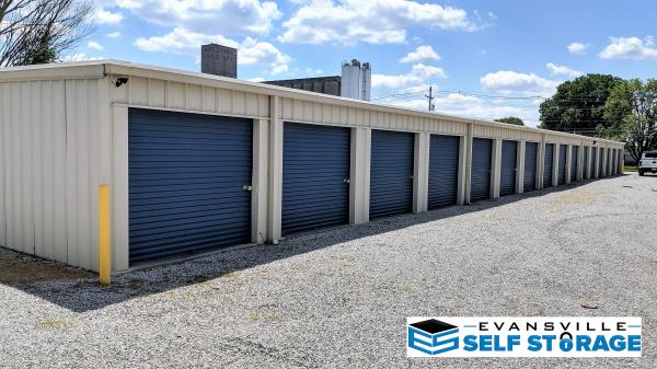 Evansville Self Storage LLC 1901 N 4th Ave Evansville, IN - Photo 7