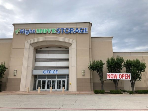 Right Move Storage - Ridgmar 2000 Green Oaks Road Fort Worth, TX - Photo 0