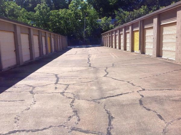 Life Storage - Jackson - North West Street 4000 N West St Jackson, MS - Photo 3