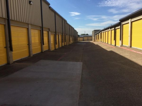 Life Storage - Dallas - Plantation Road 1606 Plantation Rd Dallas, TX - Photo 3