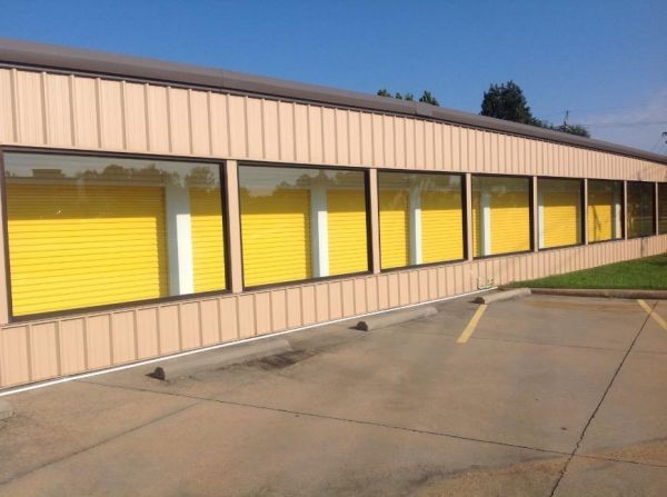 Life Storage - Jackson - 6011 I-55 North 6011 I-55 N Jackson, MS - Photo 2