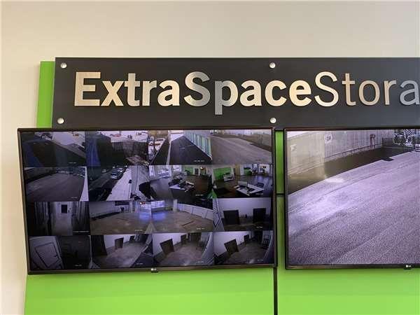 Extra Space Storage - Ridgewood - Cypress Ave 976 Cypress Avenue Ridgewood, NY - Photo 4