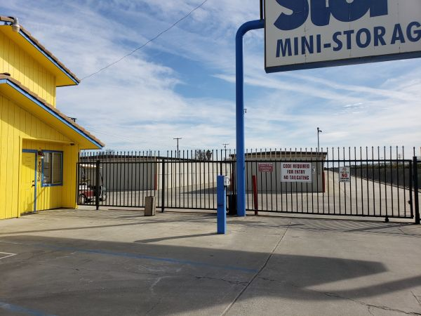Stor All 101 8 3/4 Avenue Hanford, CA - Photo 2