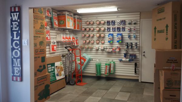 Discount Mini Storage Vero Beach 1803 90th Avenue Vero Beach, FL - Photo 4