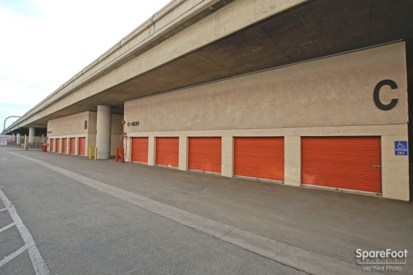Fort Self Storage 1651 S Central Ave Los Angeles, CA - Photo 7