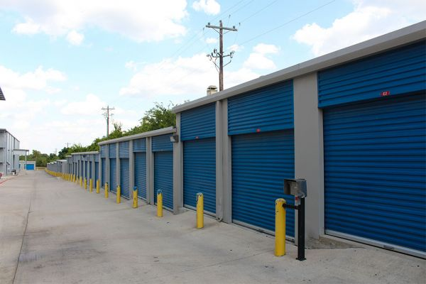 Move It Storage - Austin 620 9311 North Fm 620 Austin, TX - Photo 1