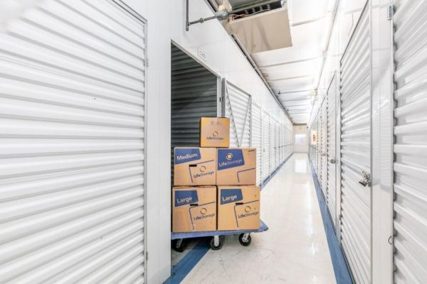 Life Storage - Seattle - 2850 Southwest Yancy Street 2850 Southwest Yancy Street Seattle, WA - Photo 3