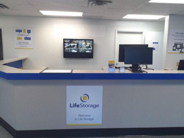 Life Storage - Baltimore - 3800 Pulaski Highway 3800 Pulaski Highway Baltimore, MD - Photo 3
