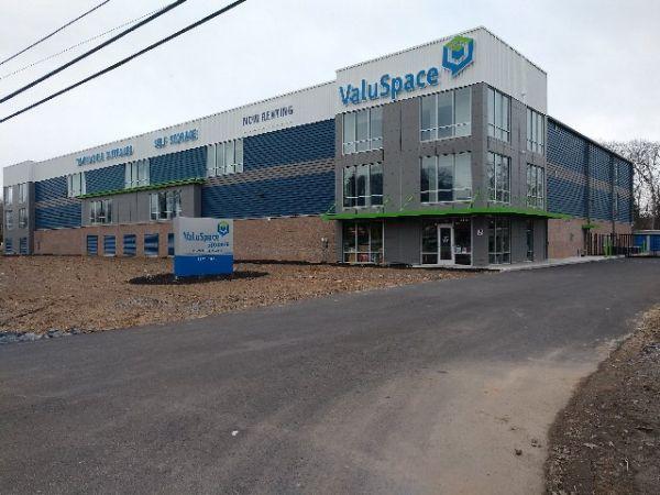 ValuSpace Halfmoon, LLC 1607 U.S. 9 Halfmoon, NY - Photo 0