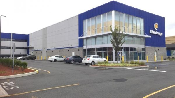 Life Storage - East Hanover - 188 New Jersey 10