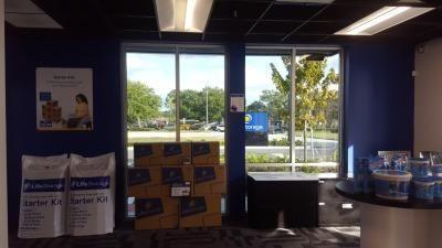 Life Storage - Oviedo - 1010 Lockwood Boulevard 1010 Lockwood Boulevard Oviedo, FL - Photo 1