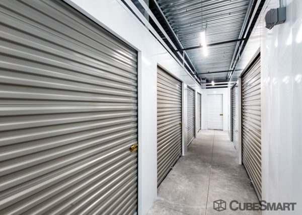 CubeSmart Self Storage - Phoenix - 1201 E Cinnabar Ave. 1201 East Cinnabar Avenue Phoenix, AZ - Photo 2