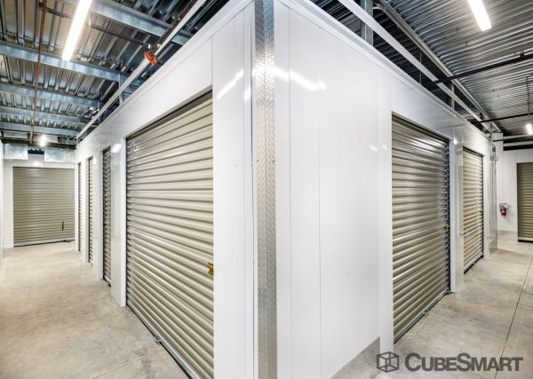 CubeSmart Self Storage - Phoenix - 1201 E Cinnabar Ave. 1201 East Cinnabar Avenue Phoenix, AZ - Photo 3