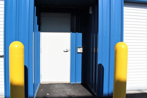 Cutting Edge Management - AAA Storage Depot 6026 West Clearwater Avenue Kennewick, WA - Photo 3