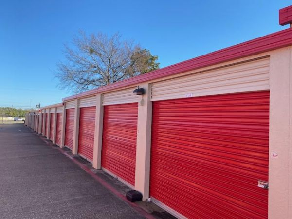 10 Federal Self Storage - 601 S Interstate 35 E Service Rd, DeSoto, TX 75115 601 South Interstate 35 East Service Road Desoto, TX - Photo 0