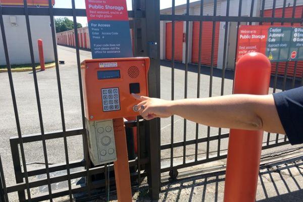 Public Storage - Orlando - 903 S Semoran Blvd 903 S Semoran Blvd Orlando, FL - Photo 4