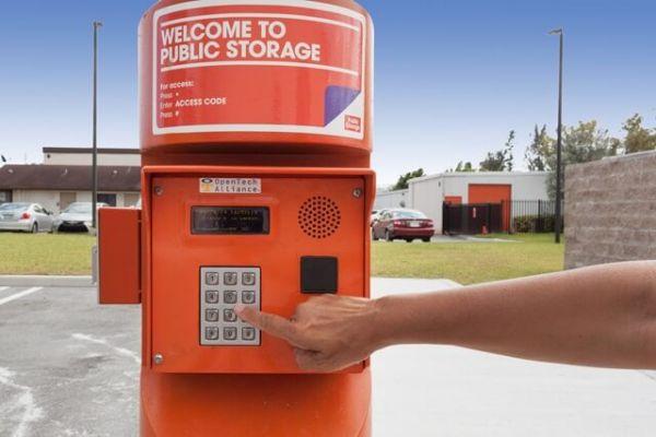 Public Storage - Boca Raton - 21000 Boca Rio Road, Suite A31 21000 Boca Rio Road, Suite A31 Boca Raton, FL - Photo 4
