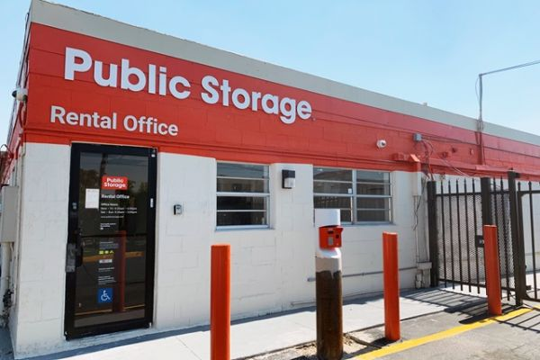 Public Storage - Hallandale - 3080 Pembroke Road 3080 Pembroke Road Hallandale, FL - Photo 0
