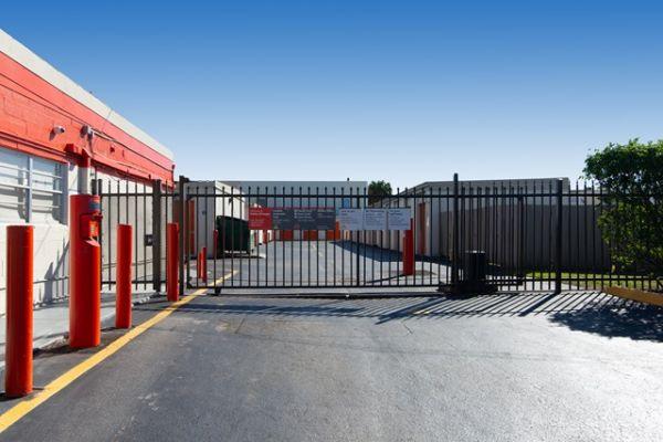 Public Storage - Hallandale - 3080 Pembroke Road 3080 Pembroke Road Hallandale, FL - Photo 3