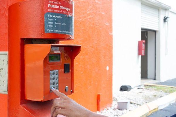 Public Storage - Ft Lauderdale - 5080 N State Road 7 5080 N State Road 7 Ft Lauderdale, FL - Photo 4