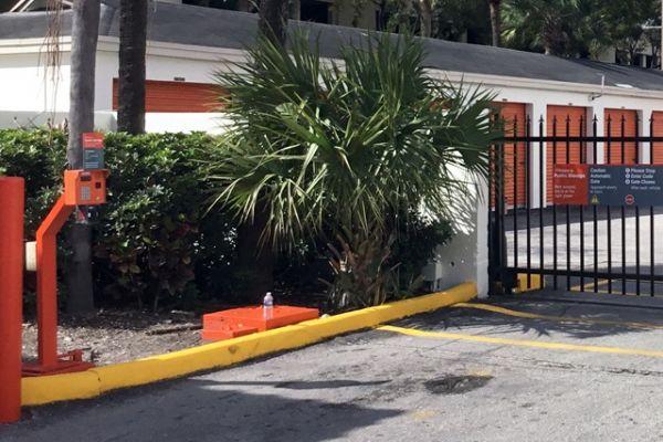 Public Storage - Hialeah - 7200 W 20th Ave 7200 W 20th Ave Hialeah, FL - Photo 3