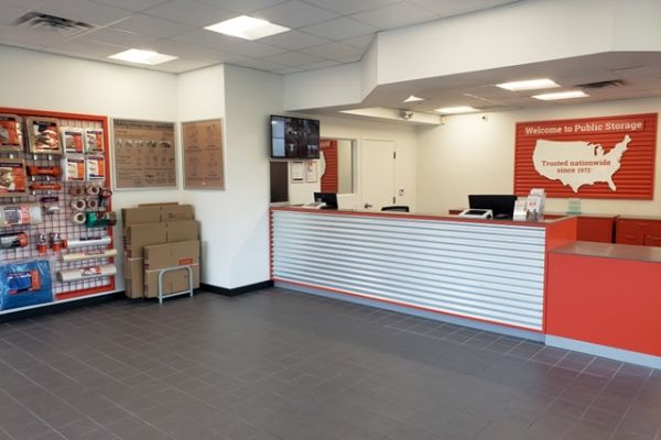 Public Storage - Ft Lauderdale - 1 NW 57th Street 1 NW 57th Street Ft Lauderdale, FL - Photo 2