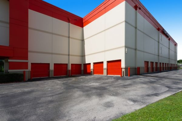 Public Storage - Ft Lauderdale - 1 NW 57th Street 1 NW 57th Street Ft Lauderdale, FL - Photo 4
