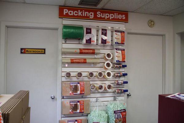 Public Storage - Orlando - 2275 S Semoran Blvd 2275 S Semoran Blvd Orlando, FL - Photo 2