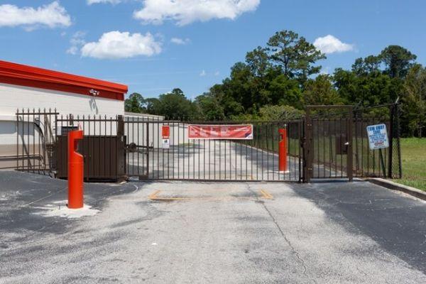 Public Storage - Jacksonville - 6219 Roosevelt Blvd 6219 Roosevelt Blvd Jacksonville, FL - Photo 3