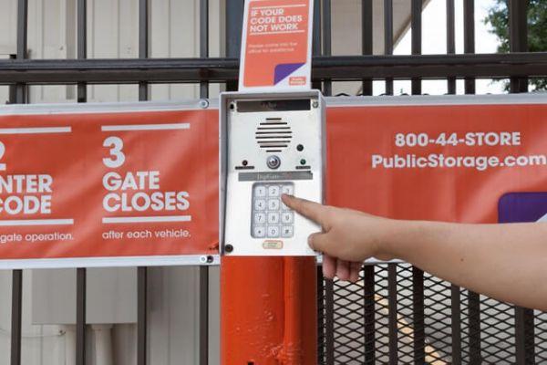Public Storage - Fern Park - 8226 S US Highway 17/92 8226 S US Highway 17/92 Fern Park, FL - Photo 4