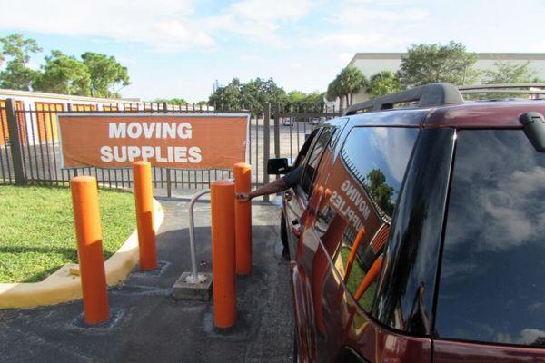 Public Storage - West Palm Beach - 4200 Okeechobee Blvd 4200 Okeechobee Blvd West Palm Beach, FL - Photo 4