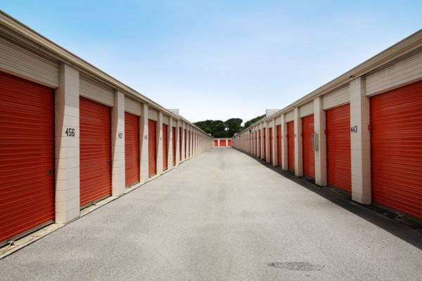 Public Storage - Orlando - 2275 N Semoran Blvd 2275 N Semoran Blvd Orlando, FL - Photo 1