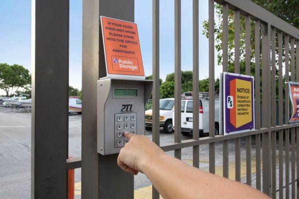 Public Storage - Pompano Beach - 2250 Blount Road 2250 Blount Road Pompano Beach, FL - Photo 4