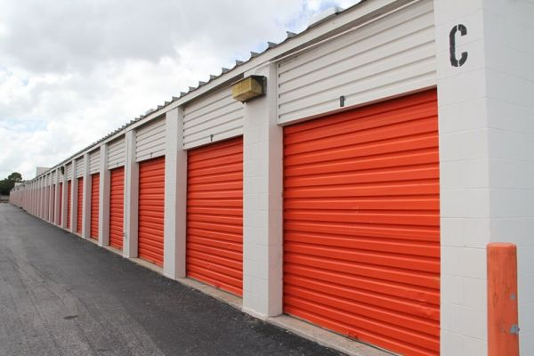 Public Storage - Altamonte Springs - 1080 E Altamonte Dr 1080 E Altamonte Dr Altamonte Springs, FL - Photo 1