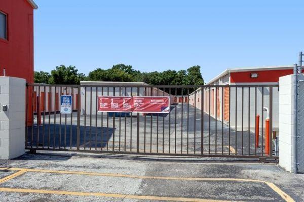 Public Storage - Jacksonville - 6333 Arlington Expressway 6333 Arlington Expressway Jacksonville, FL - Photo 3