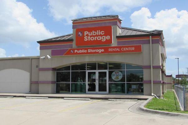 Public Storage - Pinellas Park - 4221 Park Blvd 4221 Park Blvd Pinellas Park, FL - Photo 0