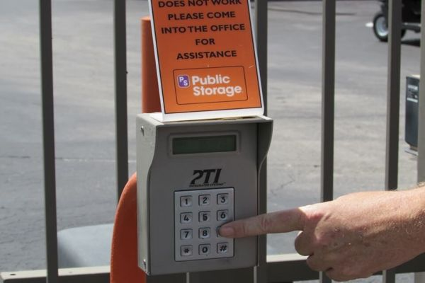 Public Storage - St Petersburg - 4500 34th Street North 4500 34th Street North St Petersburg, FL - Photo 4