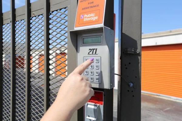 Public Storage - Medley - 7996 NW South River Drive 7996 NW South River Drive Medley, FL - Photo 4