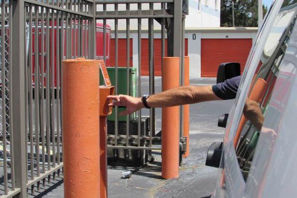 Public Storage - Pinellas Park - 6543 34th St N 6543 34th St N Pinellas Park, FL - Photo 4